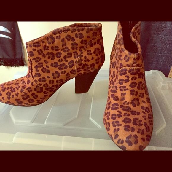 Size 9 Leopard Print Boots   Poshmark